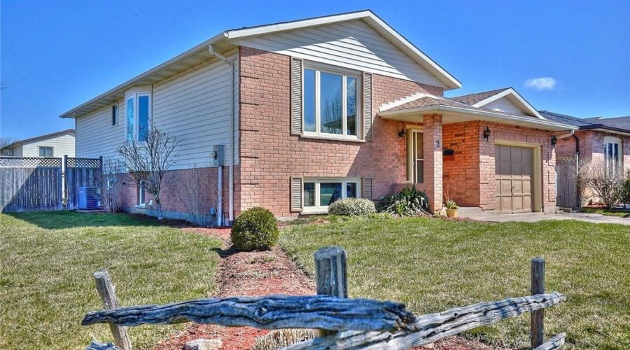 SOLD! 2 Cornwell Circle St Catharines